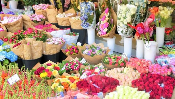 花市場が当社の冷蔵庫! お花は生鮮食品と同じ、鮮度が命です!